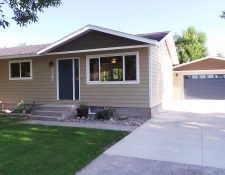 1321 Maurine St. *Buyers Agent Welcome!*